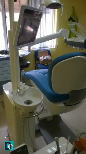 Стоматологичен стол с монитор